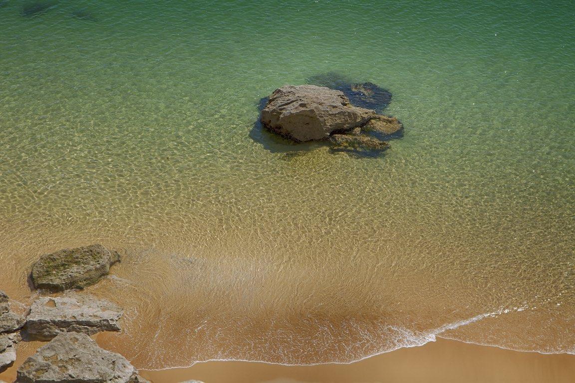 Strandparadies Algarve, klares türkisblaues Wasser, feiner Sand, Badeurlaub, schönste Strände Europas, Natur Reiseziel Portugal